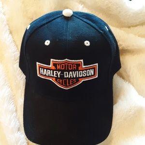 Like new Harley Davidson snapback baseball hat